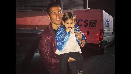 Cristiano Ronaldo consoló a hija de Dejan Lovren del Liverpool
