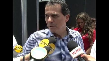 Ministro de Economía se sumó a la Teletón 2014