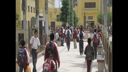Chiclayo: padres piden presencia policial en el exterior del San José
