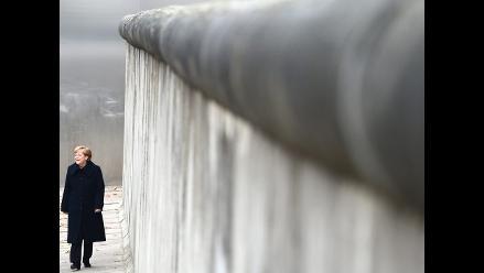 Merkel apela a unidad de Europa en 25 aniversario de caida del muro de Berlín