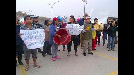 Vecinos de Carabayllo protestan por falta de agua por más de tres meses