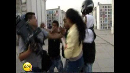 Periodistas son agredidos por supuestos vigilantes del Presbítero Maestro