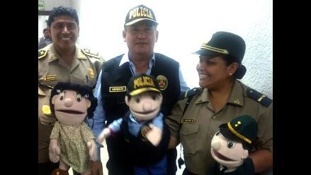 Daniel Urresti presentó un muñeco con su imagen para inculcar valores a los niños