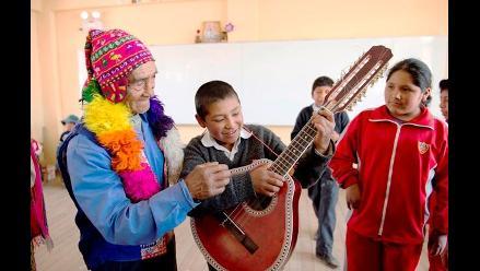 Cusco: adultos mayores transmiten conocimiento a niños en San Pablo