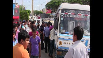 Ica: hombre muere de un infarto al interior de microbús