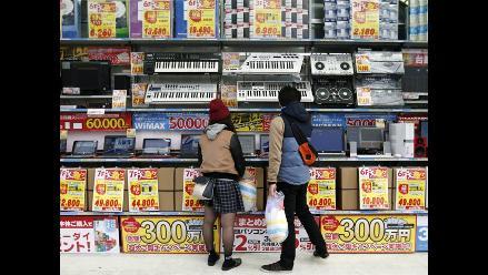 Japón cae inesperadamente en recesión en tercer trimestre