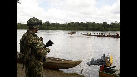 Militares buscan por cielo y tierra a tres secuestrados por las FARC