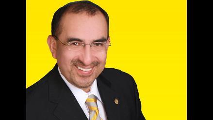 Doctor Elmer Huerta presentará su libro este 22 de novienbre en Trujillo