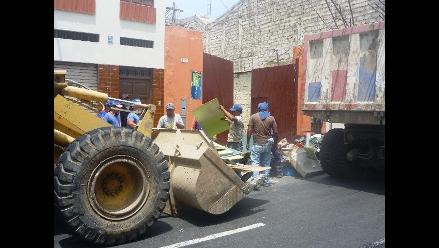 Trujillo: retiran 45 toneladas de basura de techos de centro histórico