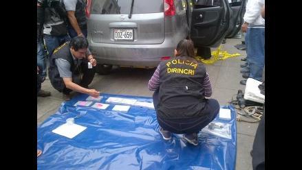 Intervienen camioneta con importante cantidad de droga