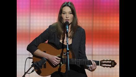 Carla Bruni cantará tema navideño contra el ébola
