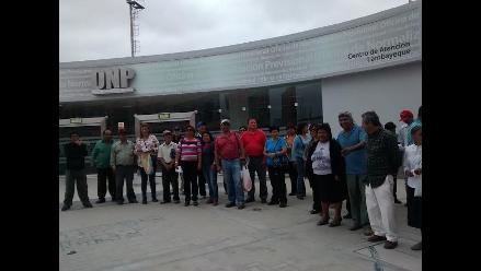 Chiclayo: trabajadores del Sutace realizan plantón