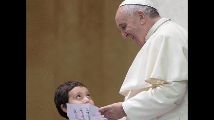 El papa pide compromiso a gobiernos para integración de enfermos autistas