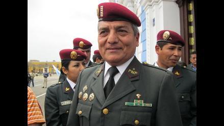 Un policía es alcalde de Trujillo: Elidio Espinoza