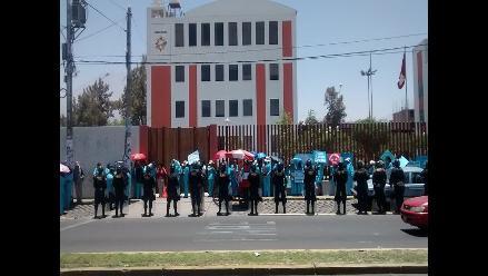 Arequipa: enfermeras de la policía acatarán paro