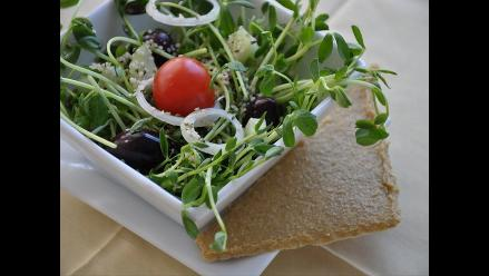 ¿Cómo se deben consumir las verduras, crudas o cocidas?