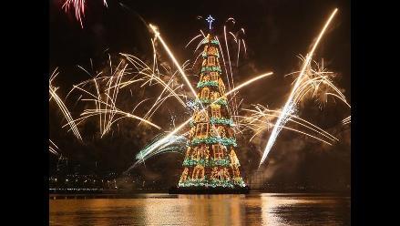 Río de Janeiro ilumina el árbol de Navidad flotante más grande del mundo