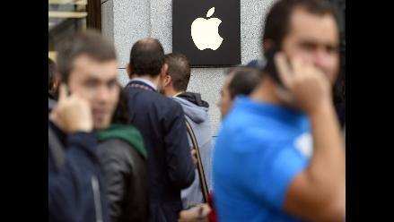 Acciones de Apple bajan 3% en un minuto y pierde 35 millones de dólares