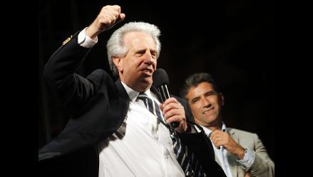 Vázquez ganó la presidencia de Uruguay con 300.000 votos de diferencia