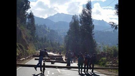 Áncash: bloquean vía principal que une a Caraz con Huaraz