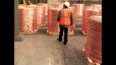 Precio del cobre cae por incertidumbre en China y Europa