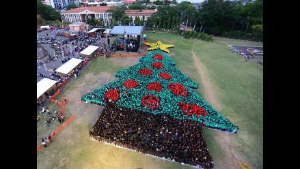 Récord Guinness para Honduras por el Árbol de Navidad Humano más grande