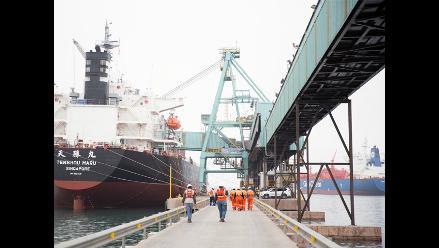CCL: Envíos totales peruanos se redujeron en octubre