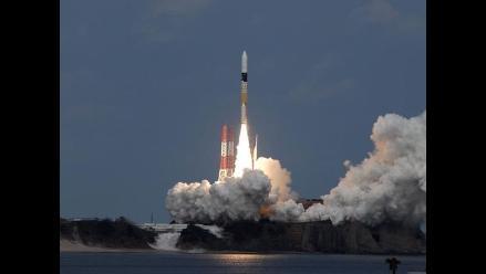 Japón lanzó sonda que obtendrá muestras de un asteroide