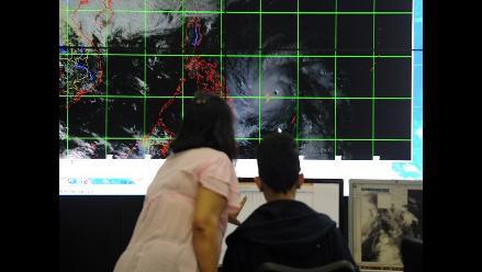Filipinas cierra colegios y oficinas públicas por el supertifón Hagupit