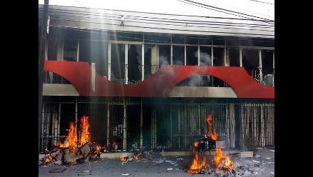 Facebook: Mujer quema casa amiga por eliminarla de Facebook