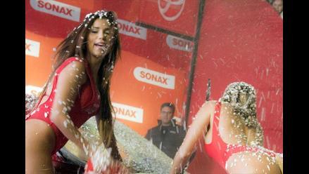 Paula Ávila, Xoana González y Fiorella Alzamora en Sexy Car Wash