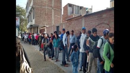 Protestan por falta de instalación de mesas de sufragio en Cañete