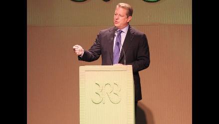 Al Gore llegó al Perú para charla sobre cambio climático