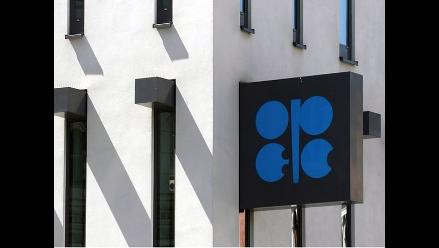 OPEP recorta proyección de demanda de su petróleo en 2015