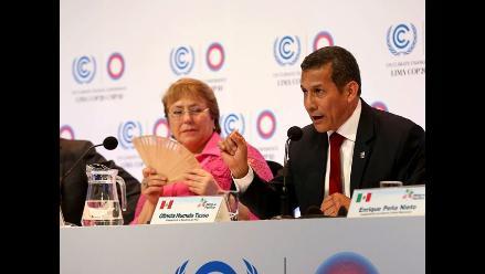 Humala y Bachelet dialogaron sobre fortalecimiento de relación bilateral