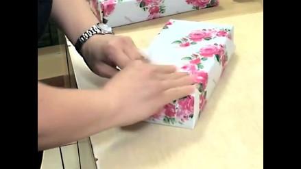 YouTube: ¿Cómo envolver regalos en 30 segundos?