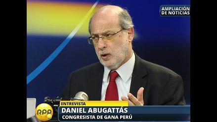 Censura a Daniel Figallo busca debilitar al Gobierno, según Abugattás