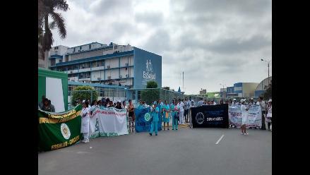 Chiclayo: trabajadores de EsSalud cumplen segundo día de paro