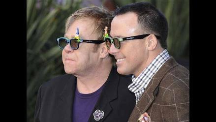 ¡Elton John prepara boda íntima!