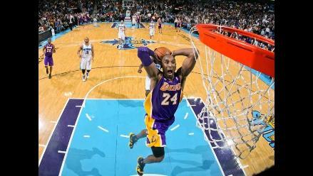 NBA: Kobe Bryant supera a Michael Jordan y celebra con victoria de Lakers