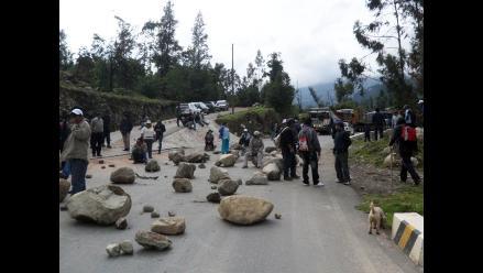 Cusco: manifestantes calqueños liberan carretera en Urubamba