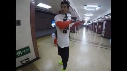 YouTube: hombre reta al metro de Beijing en velocidad