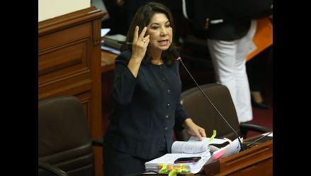 Martha Chávez renunció a presidencia de Comisión de Trabajo