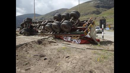 Bolivia: camión cae a barranco y deja 9 muertos y 25 heridos