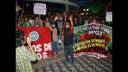 Huacho: jóvenes protestaron contra la Ley Laboral Juvenil