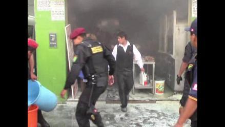 Chimbote: incendio consumió pollería a vísperas de Navidad