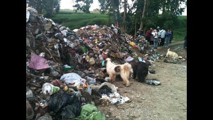 Puno: municipio de Juliaca improvisó basural en uno de sus talleres