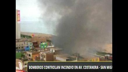 San Miguel: Controlan incendio en un inmueble en la avenida costanera