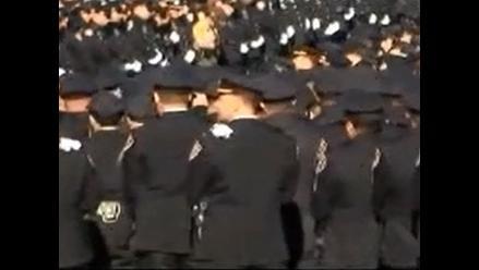 YouTube: Policías dan la espalda a alcalde de Nueva York