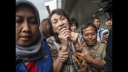 AirAsia: comienza la toma de muestras de ADN de familiares de víctimas